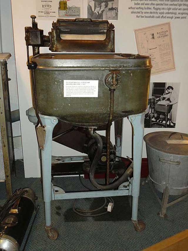 американская стиральная машина 1927 года фирмы Maytag