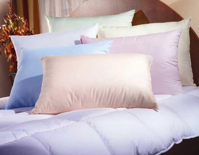 подушка, одеяло с наполнителем из силиконизированного волокна